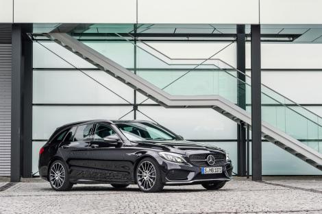 O Mercedes-Benz C450 AMG 4MATIC chega ao mercado depois do Verão
