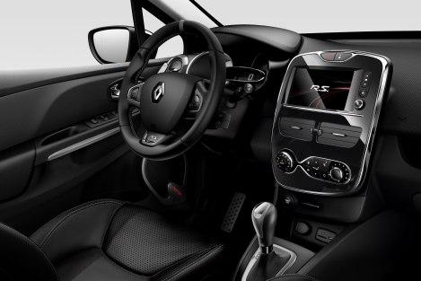 O interior é refinado, tem muita qualidade e respira poder desportivo