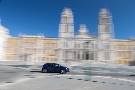 O 308 GT está disponível com motor 1.6 THP a gasolina e 2.0 BlueHDI