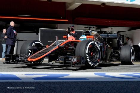 A McLaren diz que foi o vento que causou o acidente de Alonso