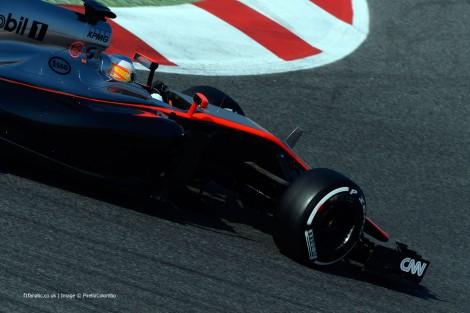 Fernando Alonso vai continuar mais um dia no hospital