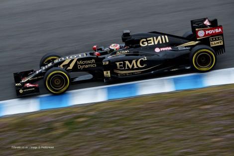 Pastor Maldonado foi o mais rápido no primeiro dia de testes em Barcelona
