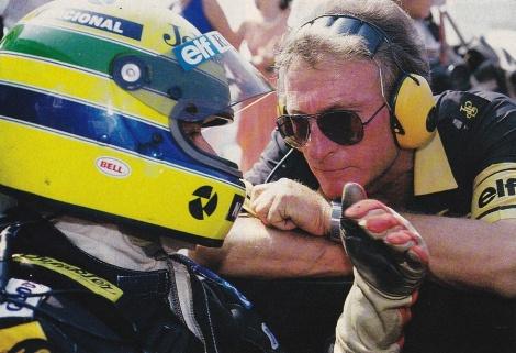 Senna conversa com Ducarouge - uma ligação muito especial entre dois magos