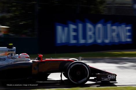 Jenson Button chegou a rodar nos pontos para acabou em 11º