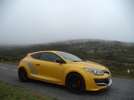 Fazia um nevoeiro frio lá no alto do Montejunto