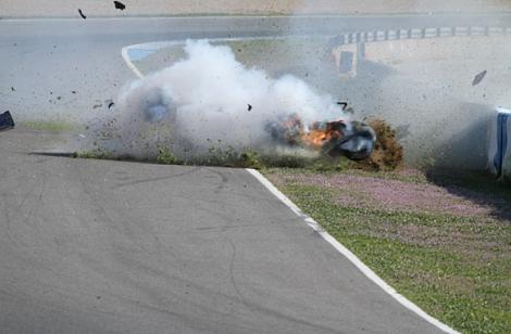 Dean Stoneman saiu ileso deste acidente em Jerez
