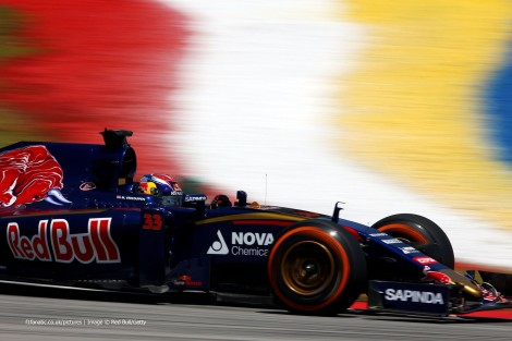 Max Verstappen tornou-se o mais jovem piloto de sempre a pontuar na F1 aos 17 anos