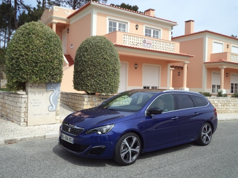 O Peugeot 308 SW GT 1.6 THP 205 custa 33.600 euros