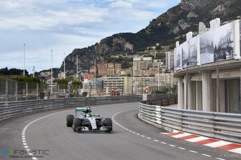 Nico Rosberg conquistou o seu terceiro triunfo seguido no Mónanco