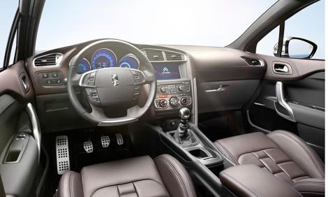 O interior tem mais qualidade e agora também mais equipamento