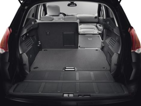 O interior do 3008 tem uma exemplar modularidade
