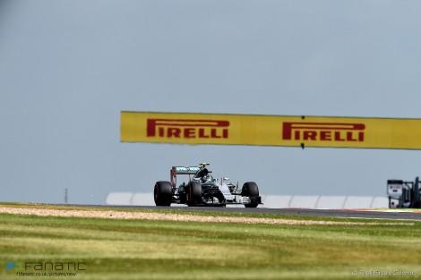 Nico Rosberg foi sempre inferior ao seu colega de equipa e acabou em 2º