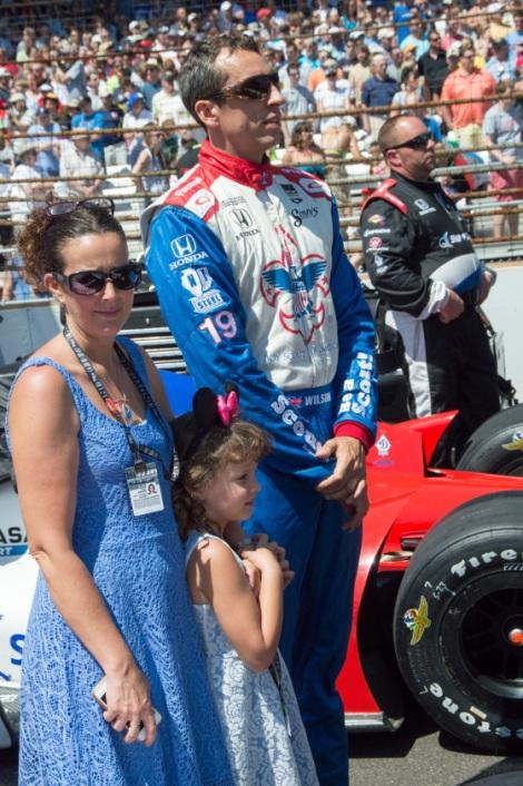 Com a esposa Julia e as duas filhas nas Indy 500 de 2014