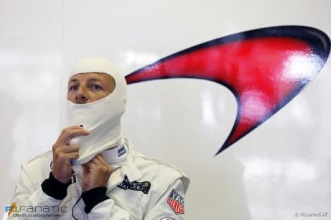 Jenson Button foi gaseado e assaltado enquanto passava férias na Côte d'Azur