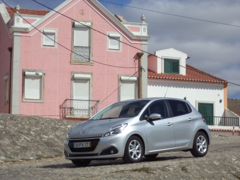 Peugeot 208 1.6 BlueHDi 75 Active 5 p. (Fotos: Valada do Ribatejo)