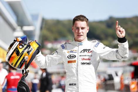 Stoffel Vandoorne já garantiu o título na GP2