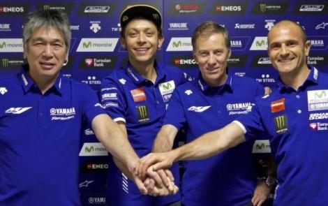 Valentino Rossi renovou com a Yamaha até 2018