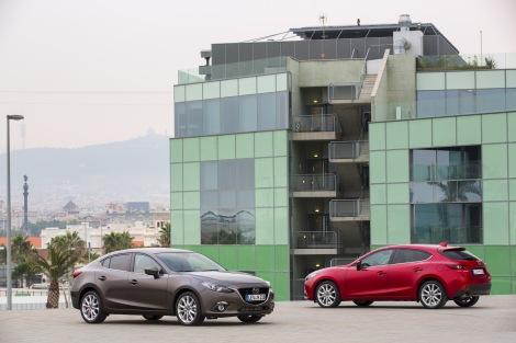 A nova família Mazda3 é agora composta por duas carroçarias
