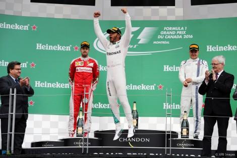 O pódio do GP do Canadá com Hamilton naturalmente eufórico