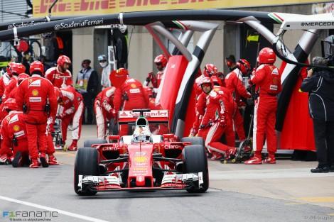 Foi a estratégia da equipa que fez Vettel perder a corrida