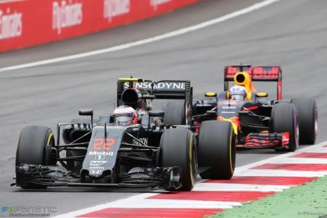 Button chegou a estar em 2º mas acabou em 6º lugar