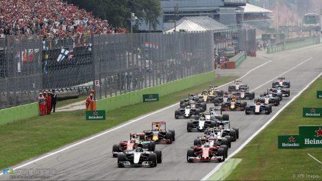 Nico Rosberg lidetou em Itália desde a partida