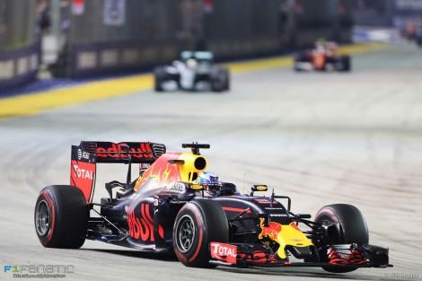 Ricciardo foi 2º mas ainda tentou ameaçar Rosberg